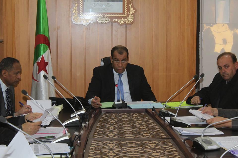 اجتماعا حول وضعية المشاريع الجارية انجازها و المخطط البلدي للتنمية