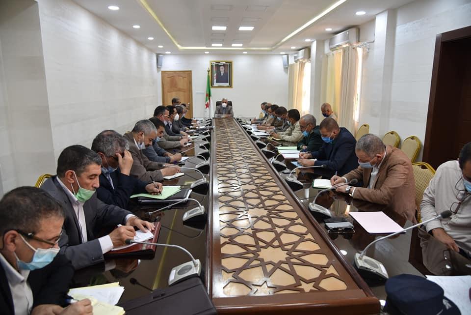 اجتماع توجيهي لدراسة إعداد ميزانية التجهيز للدولة لسنة 2022.